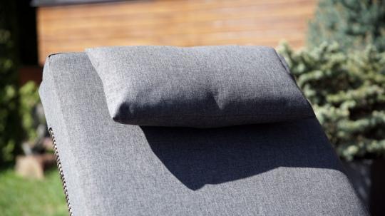 Шезлонг лежак раскладной из ротанга БИАРРИЦ с мягким матрасом и выдвижным столиком-6