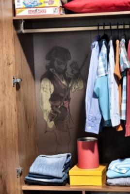 Шкаф  трехдверный  Pirate 1002-5