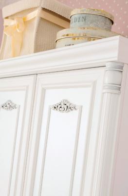 Шкаф трехдверный Romantic 1002.03-2