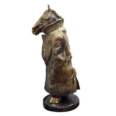 Статуэтка Конь в пальто-1