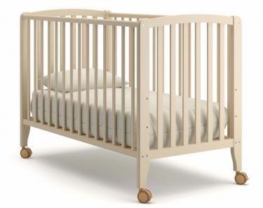 Детская кроватка на колесиках Angela Bella Бьянка (слоновая кость)