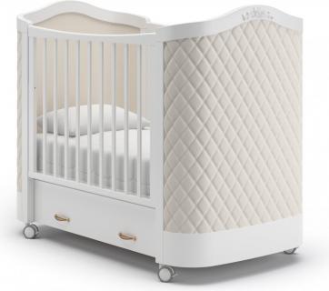 Детская кроватка на колесах Тиффани декор ромб (белый)